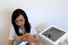 Mediskin-Biłgoraj-Centrum-Kosmetologii-podczas-pracy1