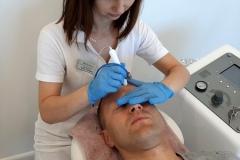 Mediskin-Biłgoraj-Centrum-Kosmetologii-podczas-pracy2